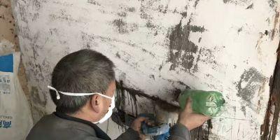 裝修施工現場,貼磚,水電改造開槽