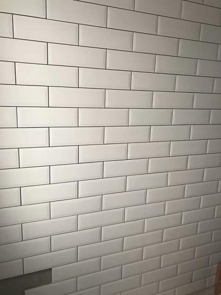 成都裝修公司貼磚