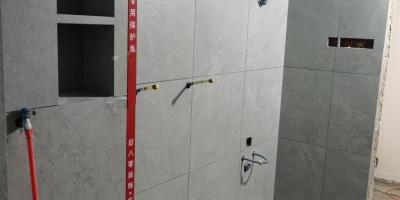 成都顺城大街二手房装修施工现场图(贴砖已完成)