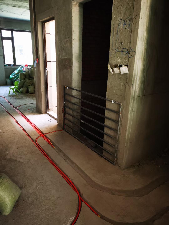 成都碧桂園十里源墅水電改造裝修施工現場圖